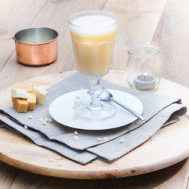 Drank warme witte chocolade-karamel – PowerSlim